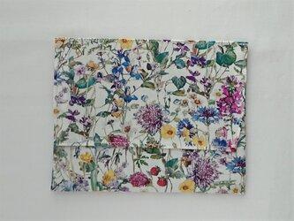 通帳・お薬手帳入れ入れ リバティプリン(Wild flower) の画像