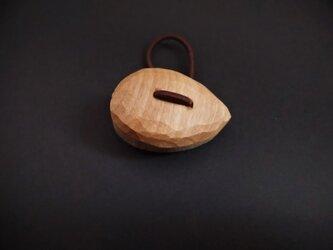 ヘアゴム《種》 木彫り  の画像