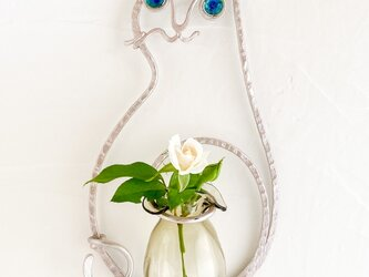 猫の壁掛け花器(ライトピンクベージュ)の画像