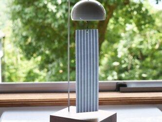 風鈴 (インテリア風鈴) スタンド 縞 ウインドチャイム 陶器 磁器 窓辺やテーブルにの画像