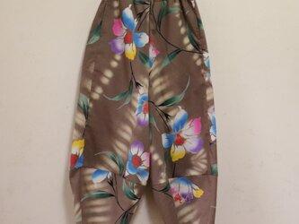 百合 裾すぼまりのサルエルパンツ SMサイズの画像