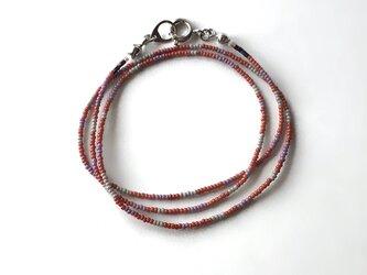 しましまネックレス  赤茶×グレー×紫 /ガラスビーズの画像
