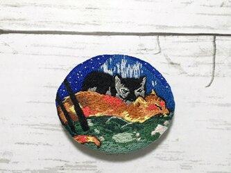 手刺繍ブローチ*フランツ・マルク「二匹の猫」よりの画像