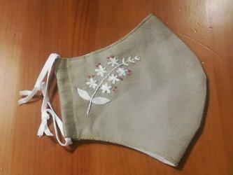 手刺繍☆きれいな横顔☆リネンの立体マスク(ミソハギ、白)の画像