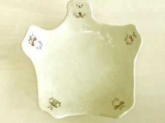 5匹の猫の小皿の画像