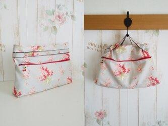 moda 赤小花柄 バッグインバッグの画像