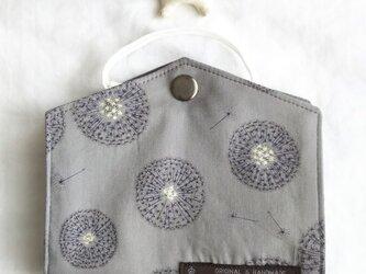 リバティ仮置きマスクケース(フェアリー・クロック)の画像
