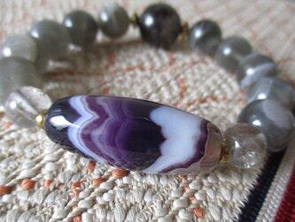 老瑪瑙水紋珠と黒水晶、エレスチャル水晶と鑑定済みブラックムーンストーンのブレスレットの画像