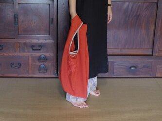 [速乾 / 2size / 4colors] 清潔に使える、アルペンプランツの花束刺しゅうエコバッグ [L / コーラルレッド]の画像