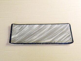流れる模様の粉引皿 iPw-004の画像