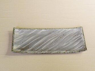 流れる模様の粉引皿 iPw-005の画像
