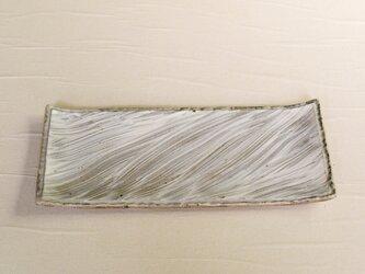 流れる模様の粉引皿 iPw-006の画像