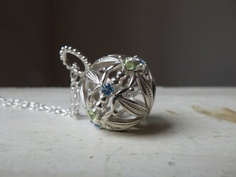 SV手鞠のネックレスの画像