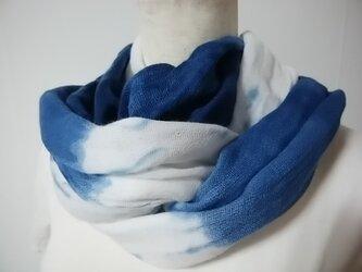 やわらか綿の藍染ストール(ぼかし)の画像