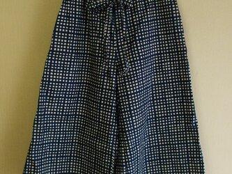 ガウチョパンツ両脇ポケット付き 綿100% M~LLサイズ 紺色手描き風ギンガムチェック柄の画像