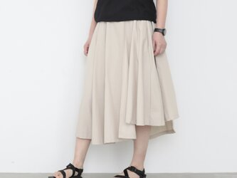 Pechu skirt / light beigeの画像