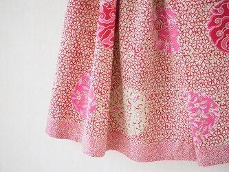 手描きバティックのふんわり折りたたみスカートの画像