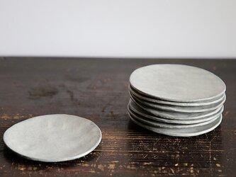 薄白化粧ひらひら皿の画像