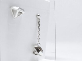 Flying Diamond ピアス(シルバー)の画像