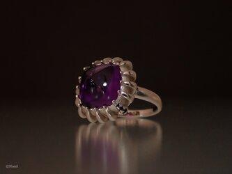 本紫のピラミッドリング【アメシスト / ブラックサファイア】一点ものの画像