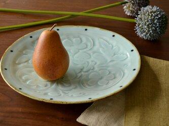 青白磁唐草楕円皿の画像