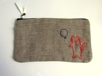 ヨーロッパリネン 猫刺繍のくったりポーチ*風船ネコちゃんの画像