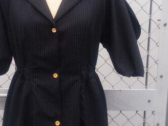 ㊸ la robe de deux types de materiaux[ブラック]の画像