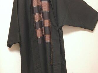 ドルマンガウン 男羽織 短袖 羽裏横縞 焦茶色 中古和服 骨董 レトロ 和柄 年代物 お祭り 催事 の画像