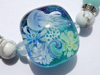 《クラゲ》 ブレスレット とんぼ玉 海月 アクアリウム 天然石 の画像