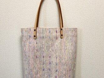 裂き織り ファンシー縦長トート(ヌメ革持ち手)の画像