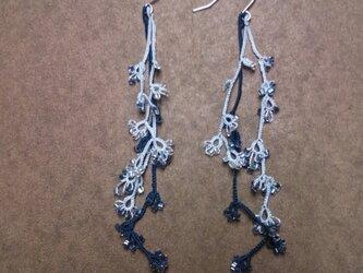 絹糸の枝のピアス blueの画像