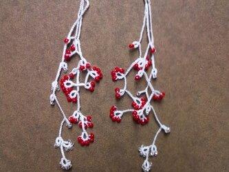 絹糸の枝のピアス whiteの画像