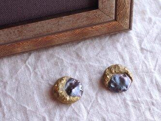 月と真珠の耳飾り -B- 本金箔/真鍮 f-93-5の画像