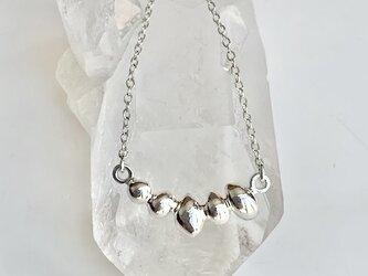 銀5粒・ネックレスの画像
