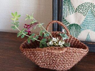 ミルク珈琲色の糸で編んだミニバッグの画像
