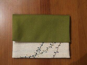 手刺繍☆マスクケースとティッシュケースの画像