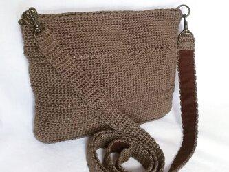☆サマーセール☆ ポーチにもなる かぎ針編みの2ウェイミニショルダーバッグ(茶)の画像