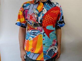 半袖和柄シャツ(大漁旗柄)の画像