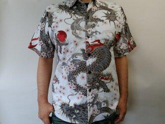 半袖和柄シャツ(龍と桜)の画像