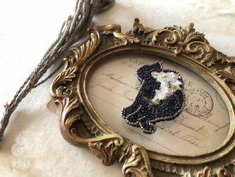 ブローチ【猫】黒の画像