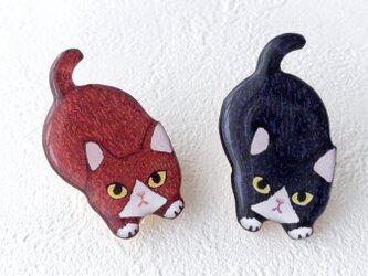 子猫のブローチ(ハチワレ茶)の画像