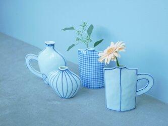 コバルト色の手描きの花瓶 S と 取っ手の付いた花瓶 Lの画像