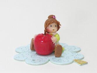 おおきなリンゴの画像