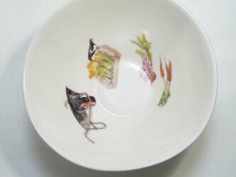 イギリス作家の手作りボウル「鳥、人参、 トウモロコシ」の画像