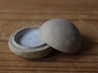 育てるウツワ 香合(地シリーズ)茶 陶土 蓋物の画像