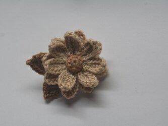 お花ブローチ・ベージュの画像