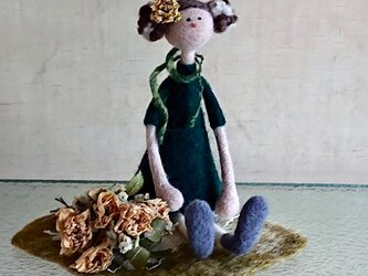 【sowing0115様専用】ミニバラの花束を持つ女の子(Flower girlシリーズ)の画像