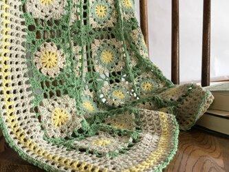 コットン モチーフ かぎ針編みのミニブランケット(マルチカバー)の画像