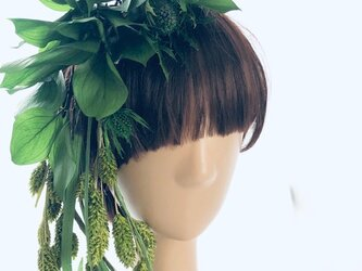 プリザーブドフラワーグリーンの髪飾り ヘッドドレスパーツの画像