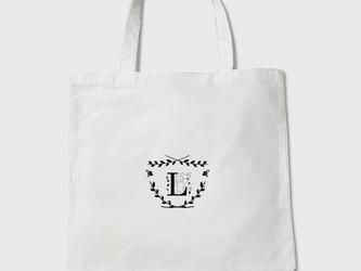セミオーダー・お好きなイニシャルをお入れします。受注制作 ネコさんアルファベット  トートバッグの画像